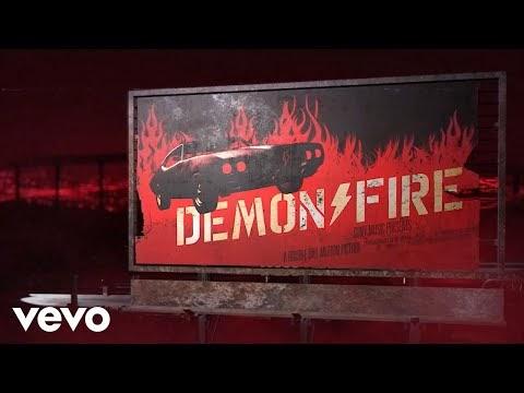 AC/DC nos trae persecución por autopista infernal en su video de #DemonFire