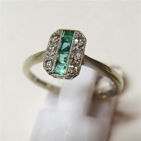 Vintage 1930's Art Deco 18ct Gold and Platinum Emerald and