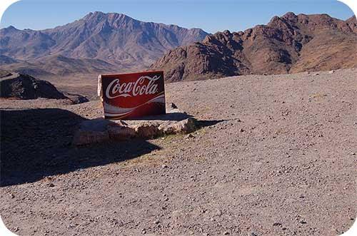 Propaganda da Coca-Cola no meio do nada