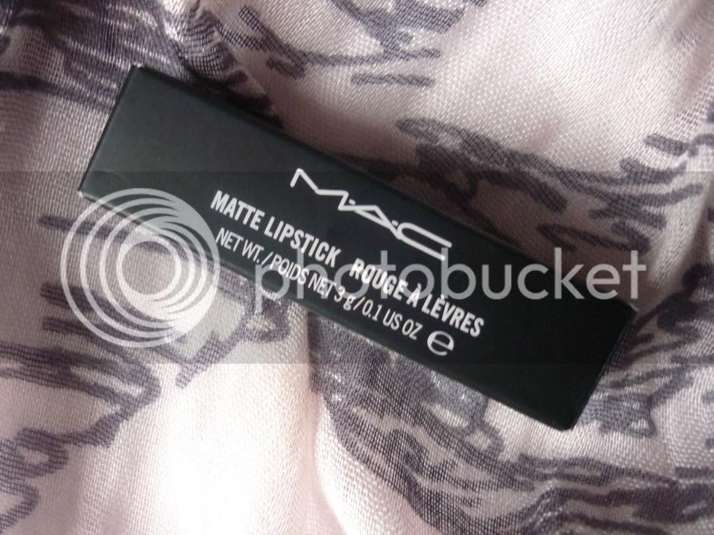 photo mac-diva-lipstick_zps9bd805b2.jpg