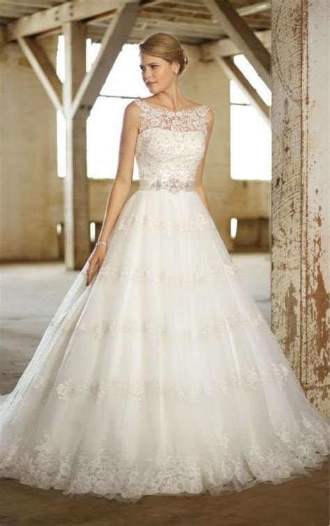 2014 Wedding Dress Ball Gown Lace Illusion Neckline