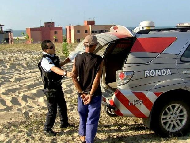 Homem foi preso após ameaçar manifestantes (Foto: Reprodução/ TV Verdes Mares)