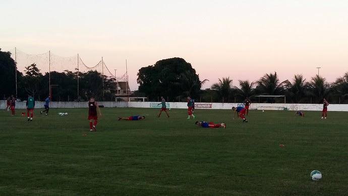 América-RN - treino flexões CT Abílio Medeiros (Foto: Jocaff Souza/GloboEsporte.com)