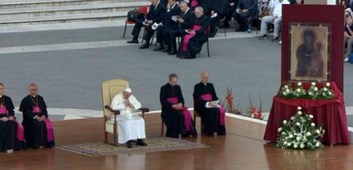 El Papa Francisco en la Vigilia de Pentecostés