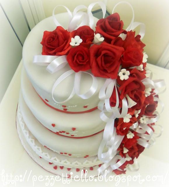 nozze d'argento torta a 4 piani in pdz e rose rosse