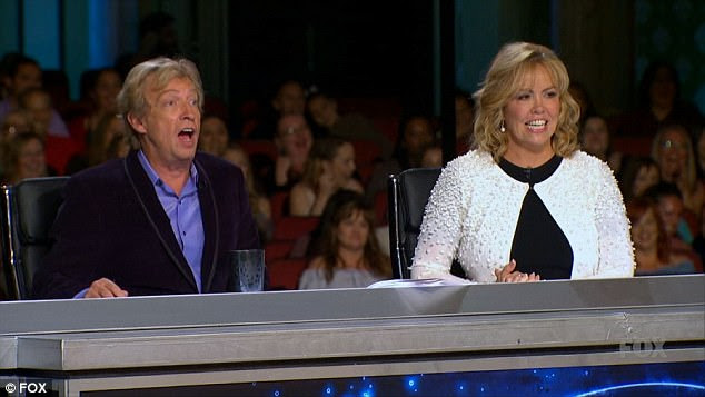 Amando: Nigel Lythgoe e Mary Murphy apreciaram a dança de Vanessa