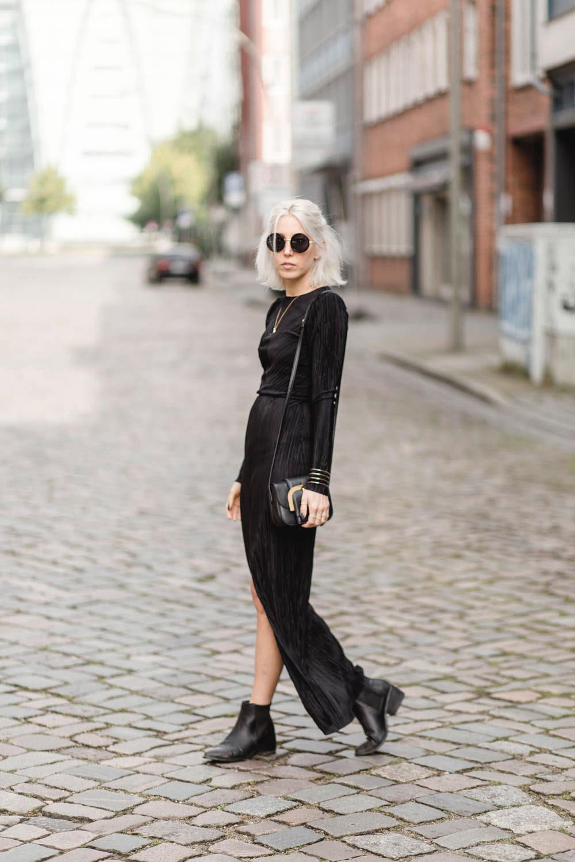 zara-plissee-kleid-schwarz-boots-asos-black-allblack-minimal