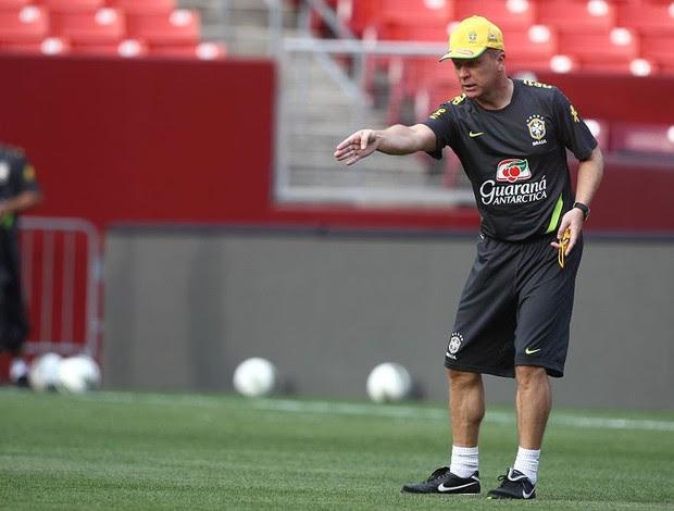 Mano Menezes Brasil (Foto: Mowa Press)