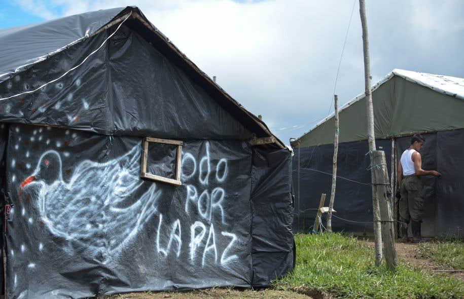 <p>Lundi, la Mission des Nations unies en Colombie a annoncé que les quelque 7000 combattants des FARC avaient remis l'ensemble de leur arsenal, soit 7132 armes.</p>