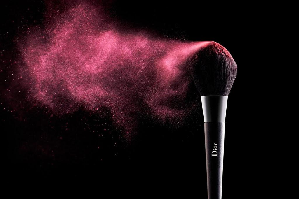 Makeup brushes wallpaper