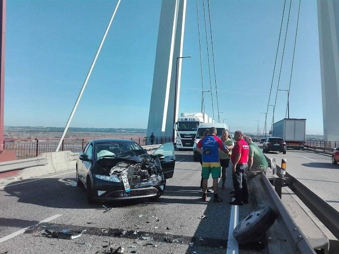Acidente na ponte Edgar Cardoso obriga ao corte do trânsito no sentido sul-norte