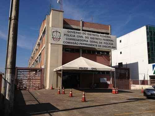 Fachada da Corregedoria Geral de Polícia, onde os suspeitos foram levados (Ed. Alves/CB/D.A Press)