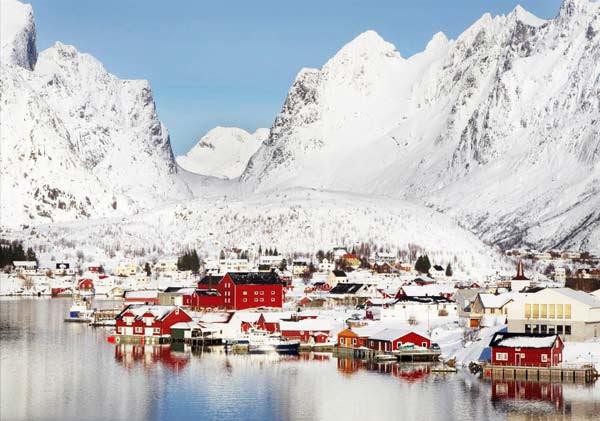 """perierga.gr - Reine: Το απομακρυσμένο """"διαμάντι"""" της Νορβηγίας!"""