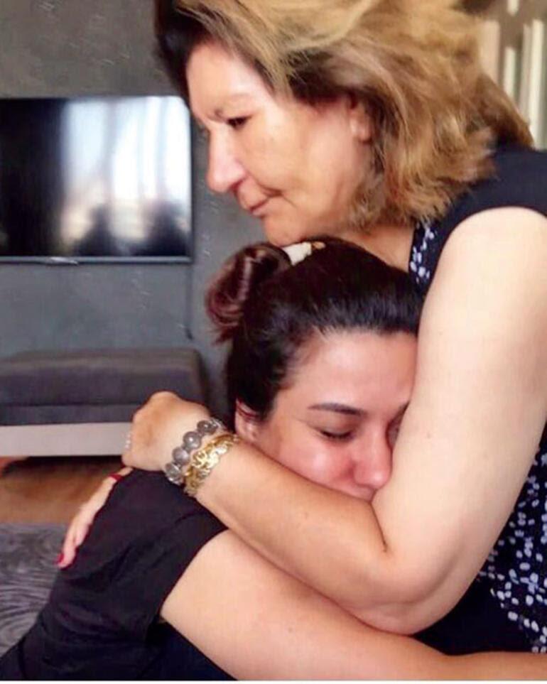 İclal Aydın'la hayat, hastalık ve anne-kız ilişkisi üzerine... Bir sabah uyandı ve bizi tanımadı annem