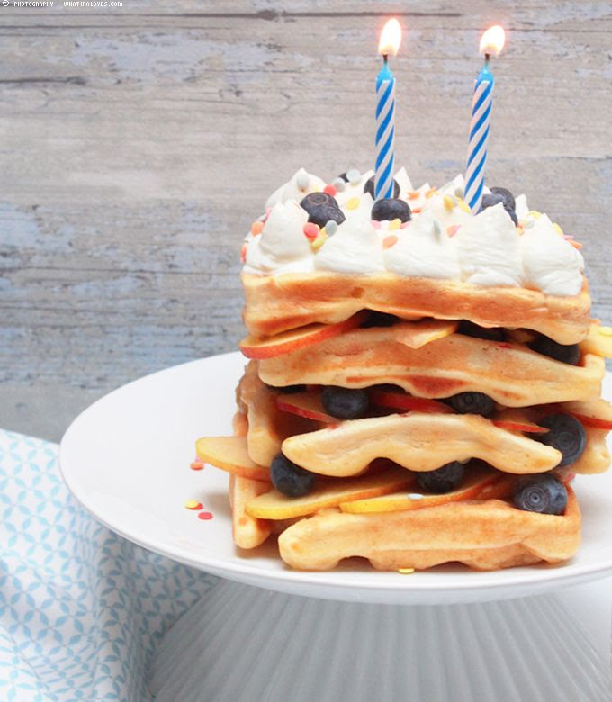 Waffeln, waffles, blueberries, birthdaycake, gastpost