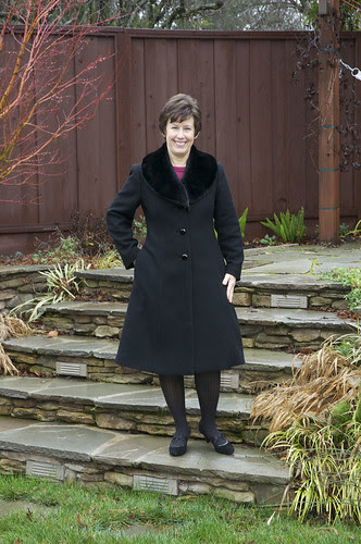 Coat outside fur collar