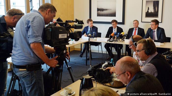 Deutschland PK CDU Sachsen und CSU zu Leit- und Rahmenkultur (picture alliance/dpa/M. Gambarini)