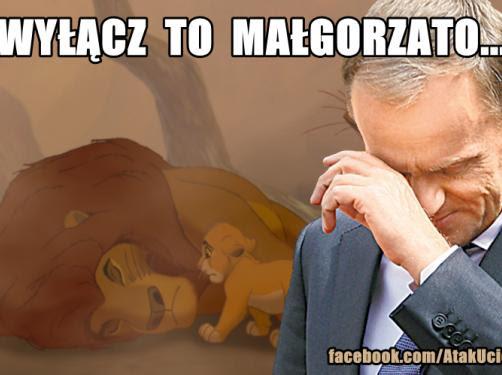 """Donald Tusk płacze na """"Królu Lwie""""? Internet drwi z żony premiera"""