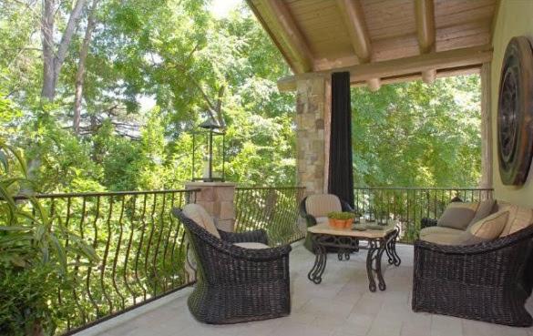 lba5d1f43 m9o Nick Lachey and Vanessa Minnillo Buy New Home In Encino (PHOTOS)