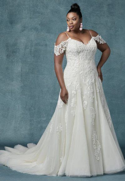 Category: Plus Size   Kleinfeld Bridal