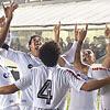 Jogadores do Santos comemoram vitória sobre o Tricolor