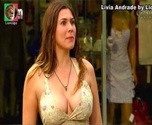 Livia Andrade super decote na novela Corações feridos