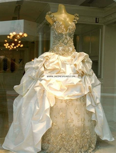 Beyonce's wedding dress for best thing I never had music