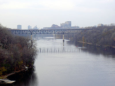 Rail bridge from Lake/Marshall Bridge