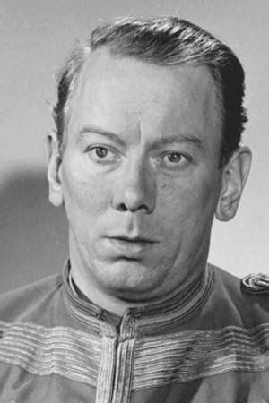 Karusellen går (1940) - Trakt.tv