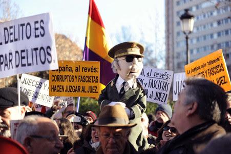 Concentració a les portes del Tribunal Suprem en suport al jutge Baltasar Garzón.