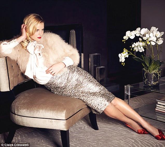Buceta arco-blusa, £ 29,99, zara.com.  Bolero, R $ 175, reissonline.com.  R saia, 219, Fenwick, 020 7629 9161.  Sapatos, R $ 95, lkbennett.com