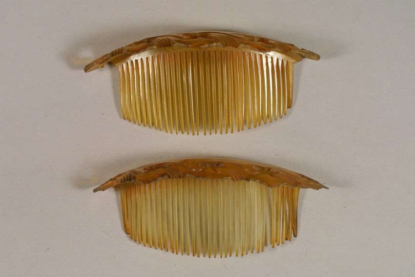 Horn side combs, second half of century, Historic New England