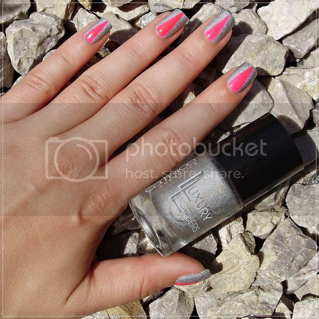 photo MM_V_shape_manicure_1_zpsmnjo7qu8.jpg