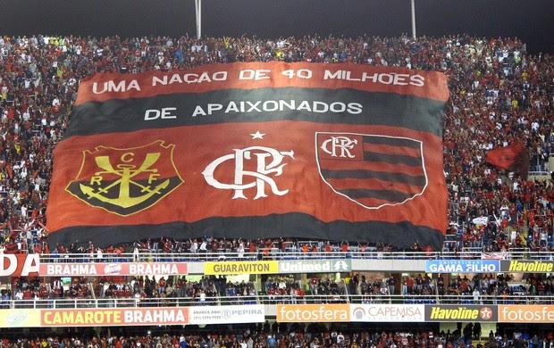 Bandeirão do Flamengo (Foto: Richard Souza / Globoesporte.com)