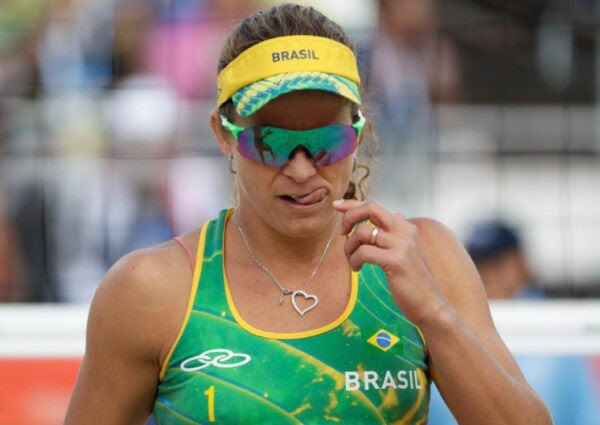 7 celebridades brasileiras que assumiram a homossexualidade recentemente.