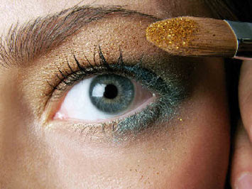 4 adımda Altın kız makyajı