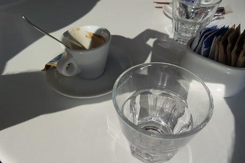 Un click durante la pausa caffè by Ylbert Durishti
