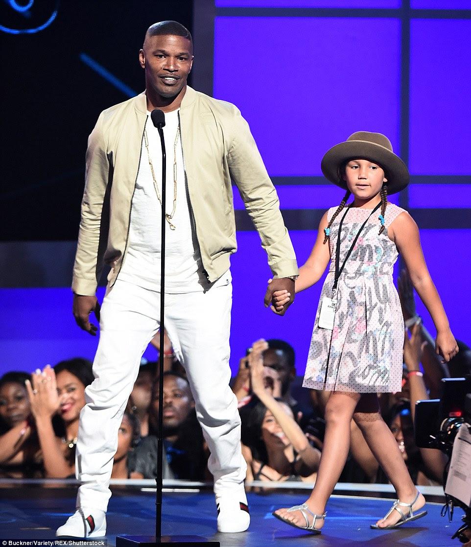 dever Daddy: Jamie Foxx apresentou na premiação como ele foi acompanhado por sua filha Annalise Bishop