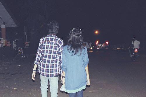 Só eu sei o quanto eu queria estar aí ao seu lado agora . (cs)