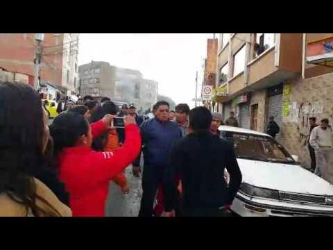 VIDEO: CHOFERES AGREDEN A UN CONDUCTOR EN VILLA SAN ANTONIO