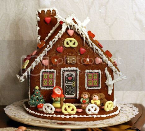 photo MainCoolestGingerbreadHouses_zpsd3118542.jpg