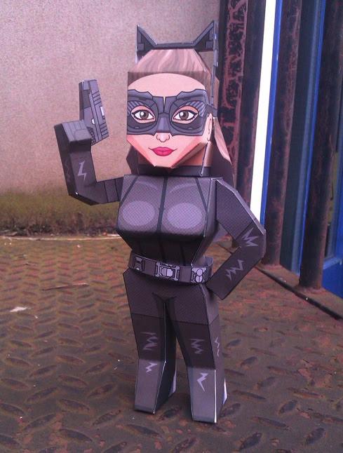 Catwoman Papercraft