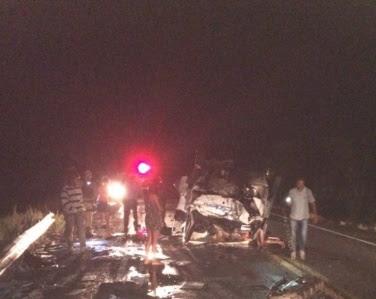 Cinco pessoas morrem e uma fica ferida em acidente na BR-324