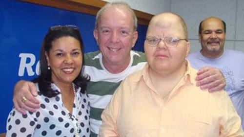 Rádio Globo/ Divulgação - Rafael Soares, ao lado do radialista Roberto Canázio