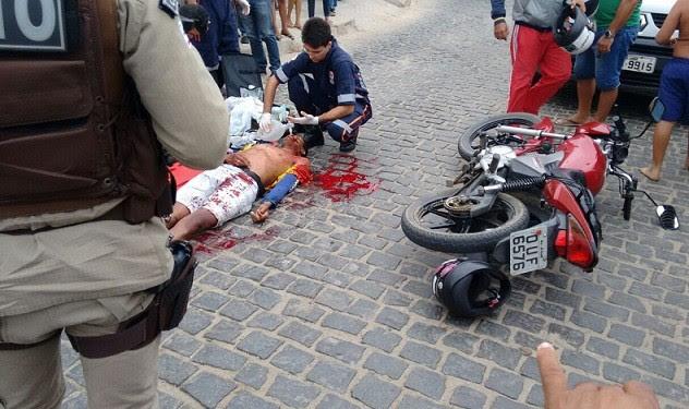 Mototaxista trafegava pela Rua Alfredo Guimarães