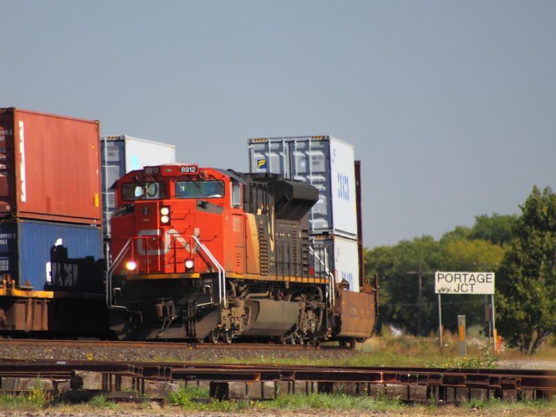 CN 8912 at Portage Junction in Winnipeg