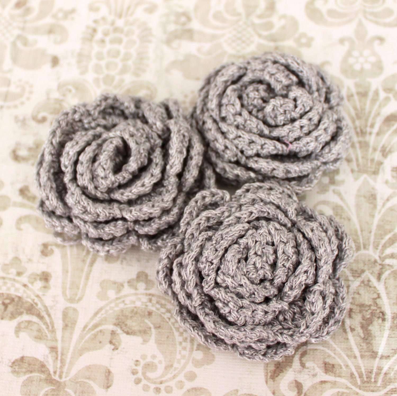 3 pcs Light Gray Crochet Flower Appliques with Silver Glitter Thread - 3D Ruffled Rose for Brooch