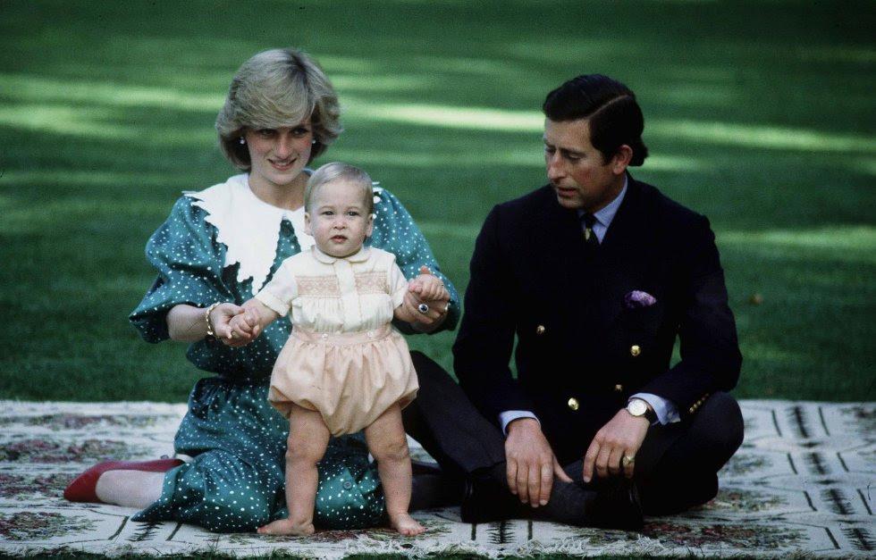 El nacimiento de Guillermo, segundo en la línea de sucesión al trono dio un respiro a la relación complicada de sus padres.