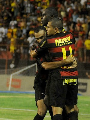 sport x fortaleza (Foto: Aldo Carneiro / Pernambuco Press)
