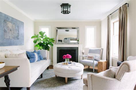 arrange furniture   room